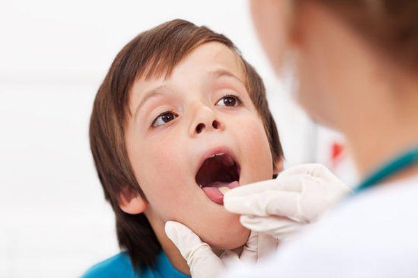 хронический ларингит у ребенка
