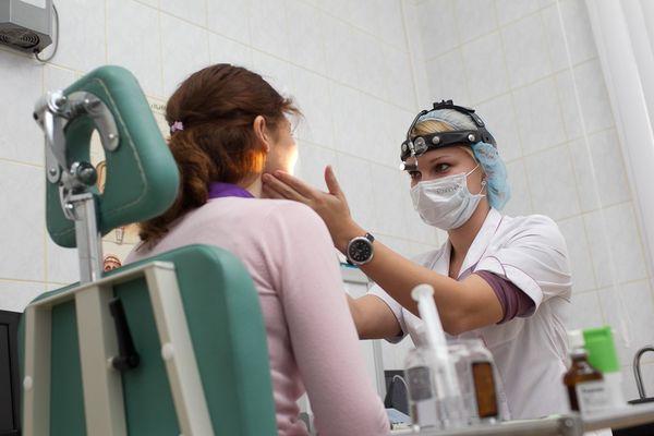 лечение ларингита у врача