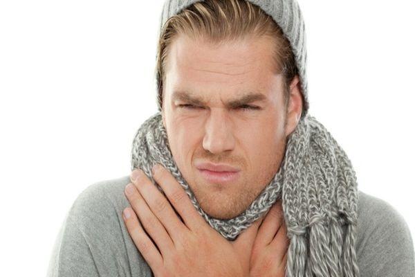 сильно болит в горле