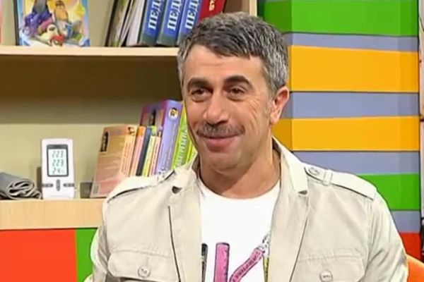 врач Комаровский