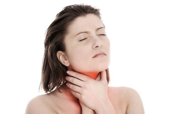 сильно болят связки горла