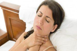 симптомы ларингита у девушки