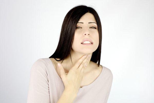 болит горло и нет голоса