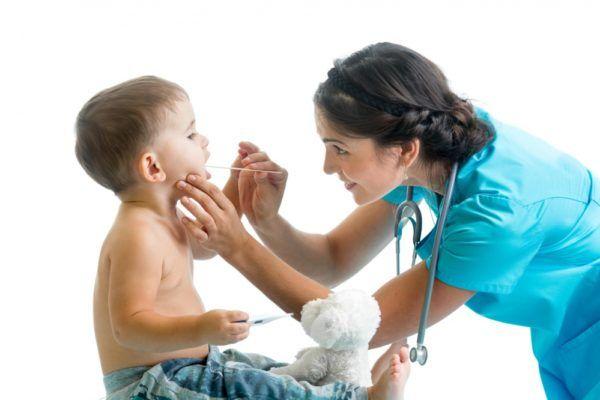 на приеме у детского педиатра